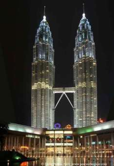 http://aedesign.files.wordpress.com/2009/11/petronas-towers.jpg?w=234&h=341