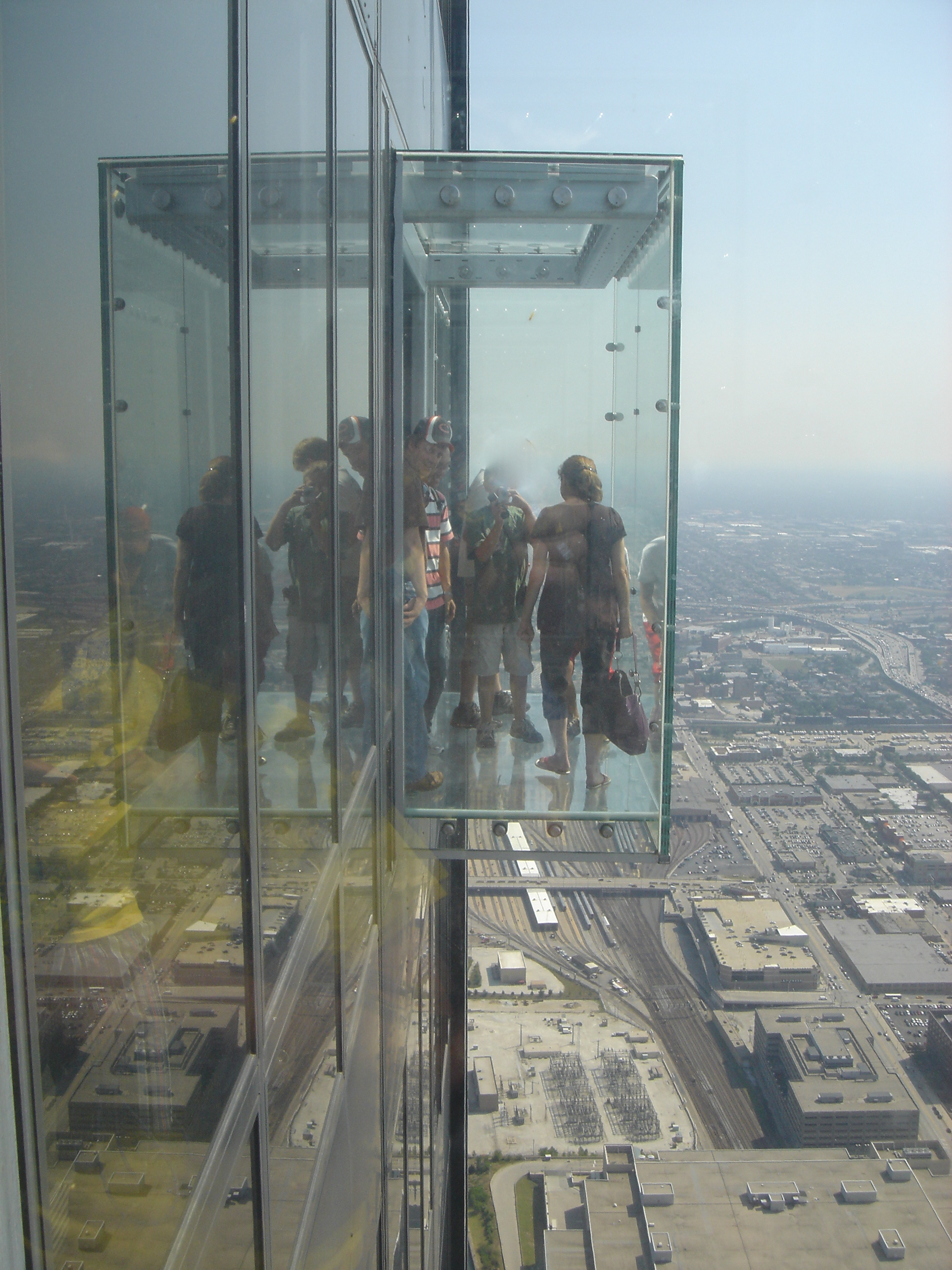 Willis tower skydeck aeworldmapcom over 2400 posts for How many floors are in the sears tower
