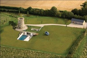 Round-Tower-House aerial view