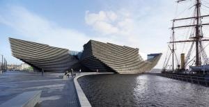 V_A_Dundee_Scotland_Hufton_Crow_027