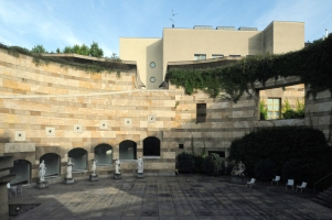 Neue_Staatsgalerie_Courtyard_