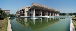 Palace_of_Assembly_Chandigarh_2006